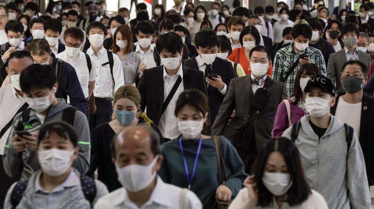 Con la semana laboral de cuatro días, la principal patronal de Japón cree que se reduciría el riesgo de contagio