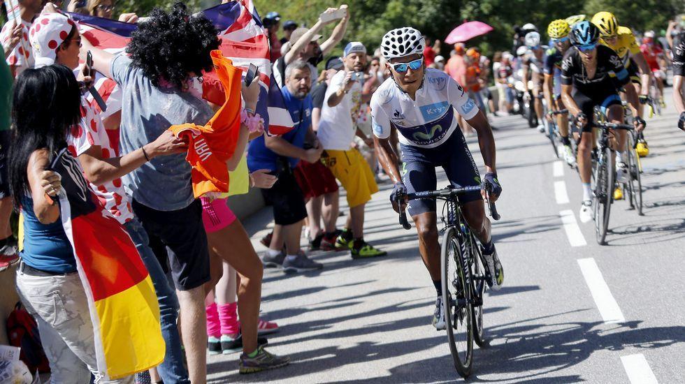 La última etapa de montaña del Tour, en fotos.El pelotón dio un paso por la Ronda da Muralla durante la etapa del 2006.