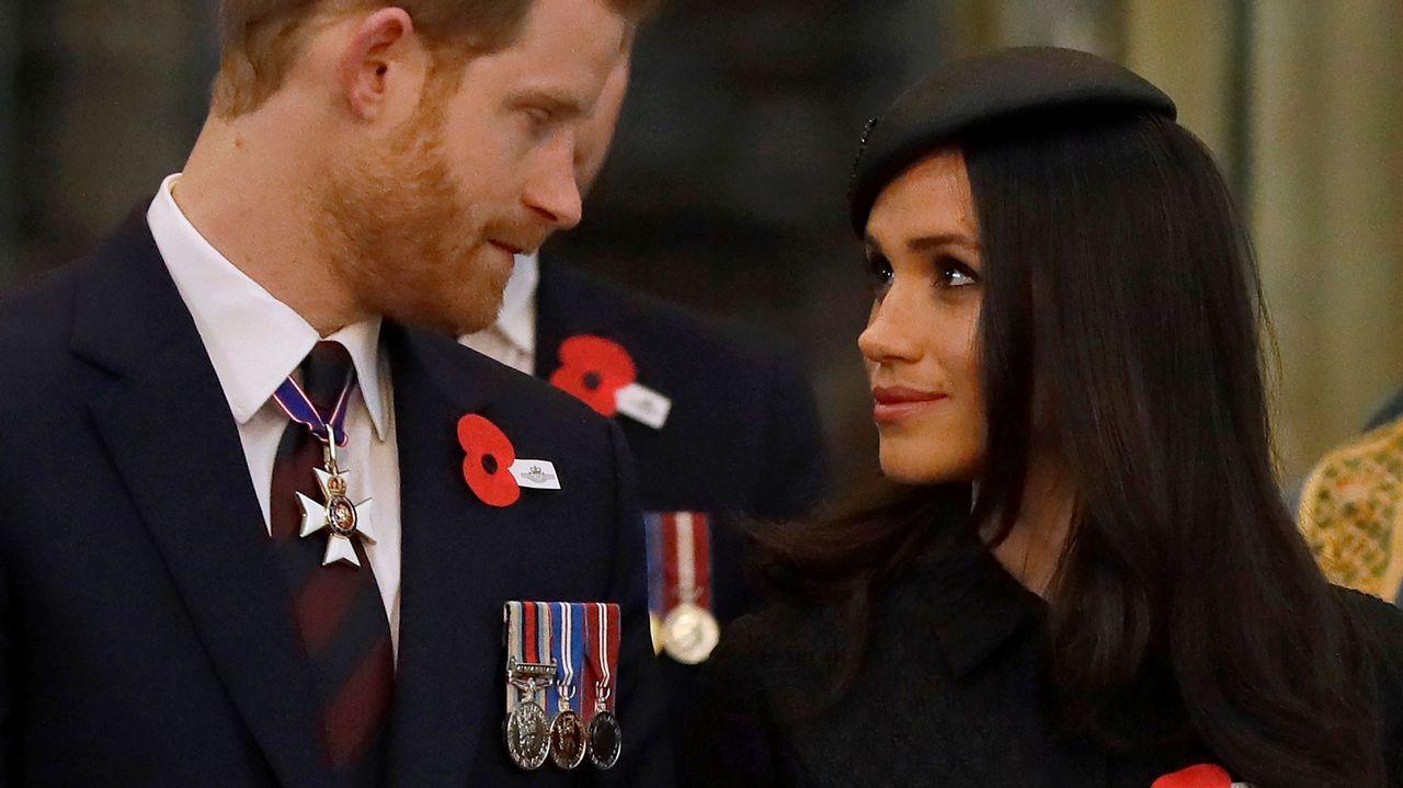 El príncipe Harry y su prometida, Meghan Markle, durante la conmemoración del día Anzac en la abadía de Westminster, en Londres