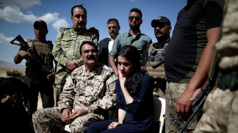 Fin al mes sagrado de los musulmanes.Policías iraquíes celebran la declaración oficial de victoria sobre el Estado Islámico en Mosul