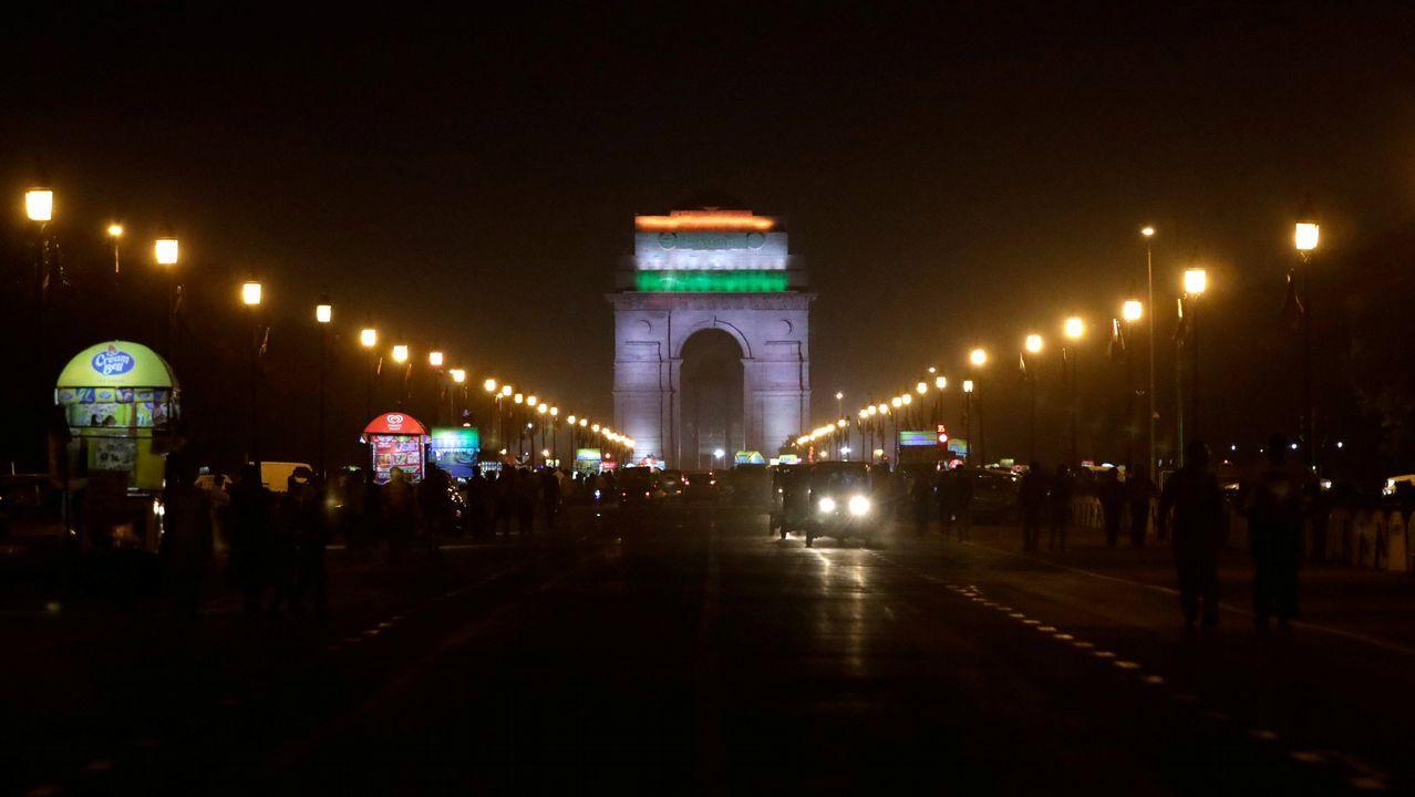 La Puerta India, en Nueva Delhi, antes del apagado de las luces