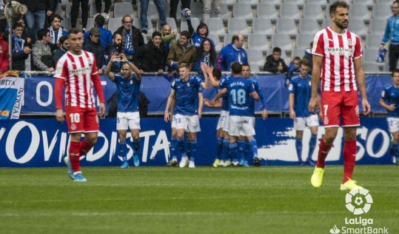 Los futbolistas azules celebran el primer tanto de Ortuño