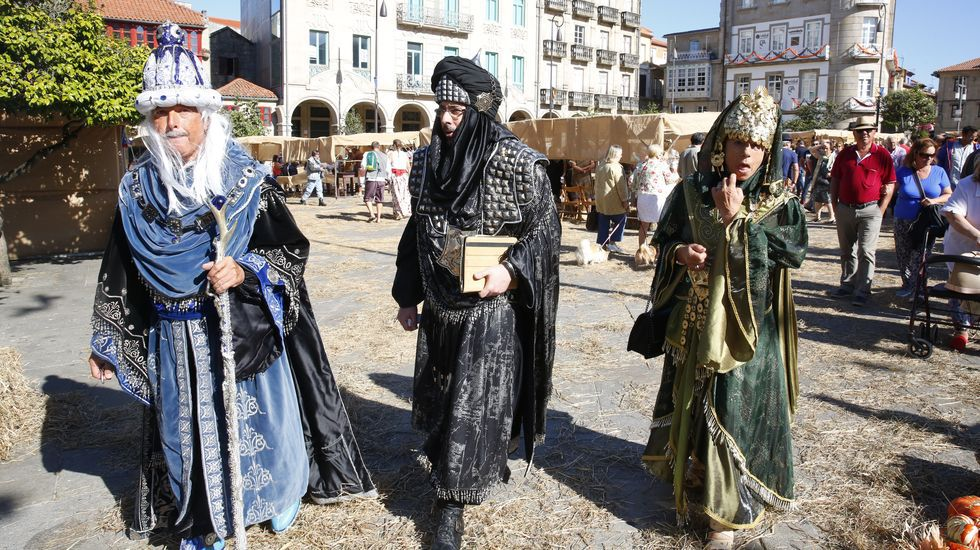 La Feira Franca, en imágenes.La imagen de la plaza de España de Pontevedra abarrotada en las fiestas de la Peregrina difícilmente se repeitrá este año