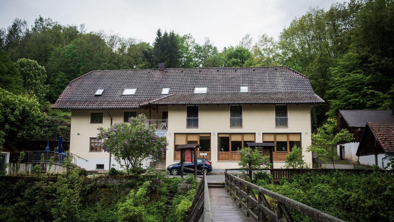 Tres de las víctimas fueron halladas con flechas de ballesta en una habitación de esta pensión en las afueras de la ciudad alemana de Passau