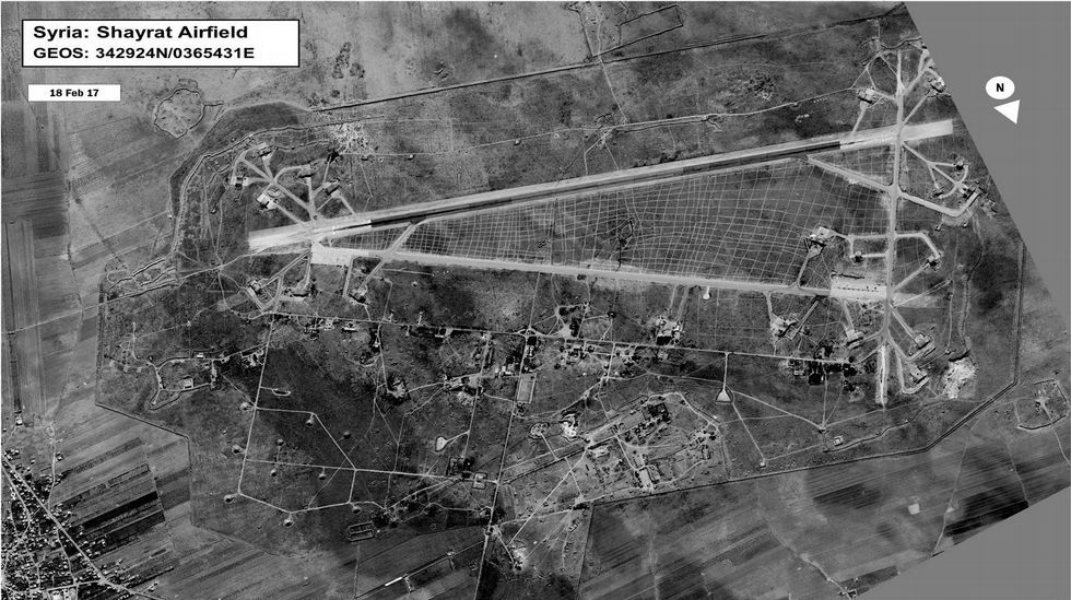 Base aérea atacada por Estados Unidos