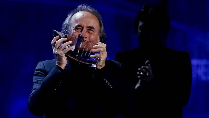 Unos Grammy Latino muy repartidos.TVE apostó sobre seguro por el estilo clásico y familiar de Anne Igartiburu y Ramón García y por el humor de José Mota.