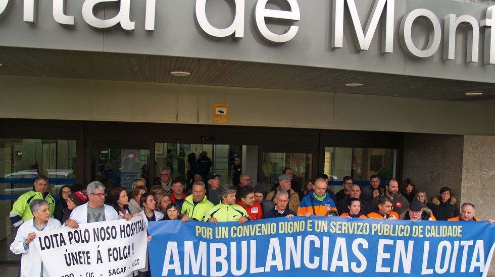 Protestas en el hospital y los centros de salud de Monforte y Chantada.Iván Sanz, gerente del hospital comarcal y uno de los responsables del estudio premiado