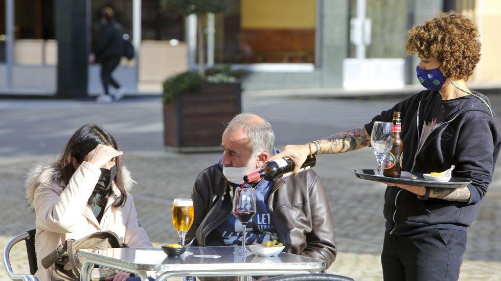 En fotos: a entrega dos premios das edicións 22.ª e 23.ª do certame Xosé Manuel Eirís.Filme The Cave