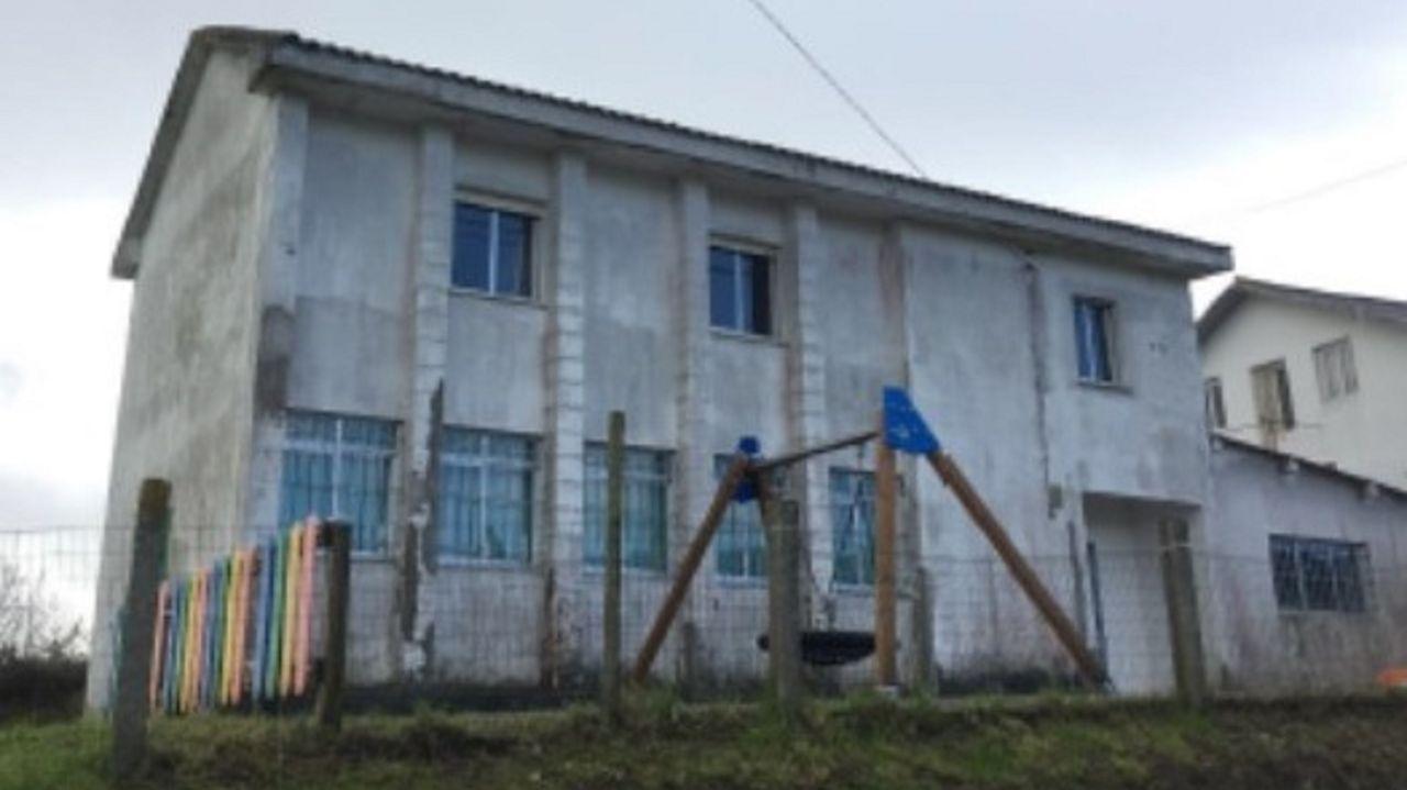 Estos son los especialistas del CHUF que eligieron quedarse en su tierra.Obras de rehabilitación que se están ejecutando en las viviendas municipales de Recimil