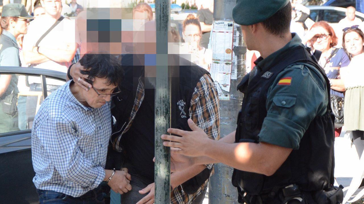 El detenido, durante un traslado al juzgado de Caldas