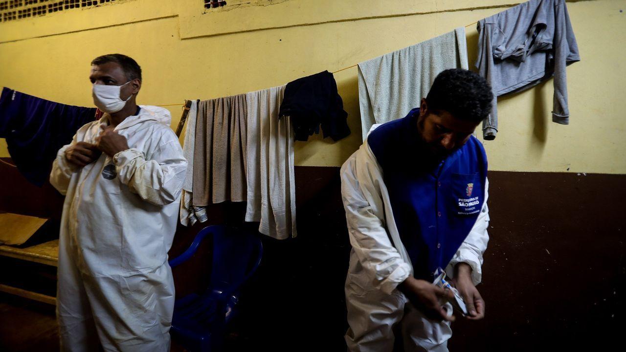 Turismo, desinfección y distancia por el mundo.Agentes registraron la casa de Allan dos Santos, un bloguero seguidor de Bolsonaro