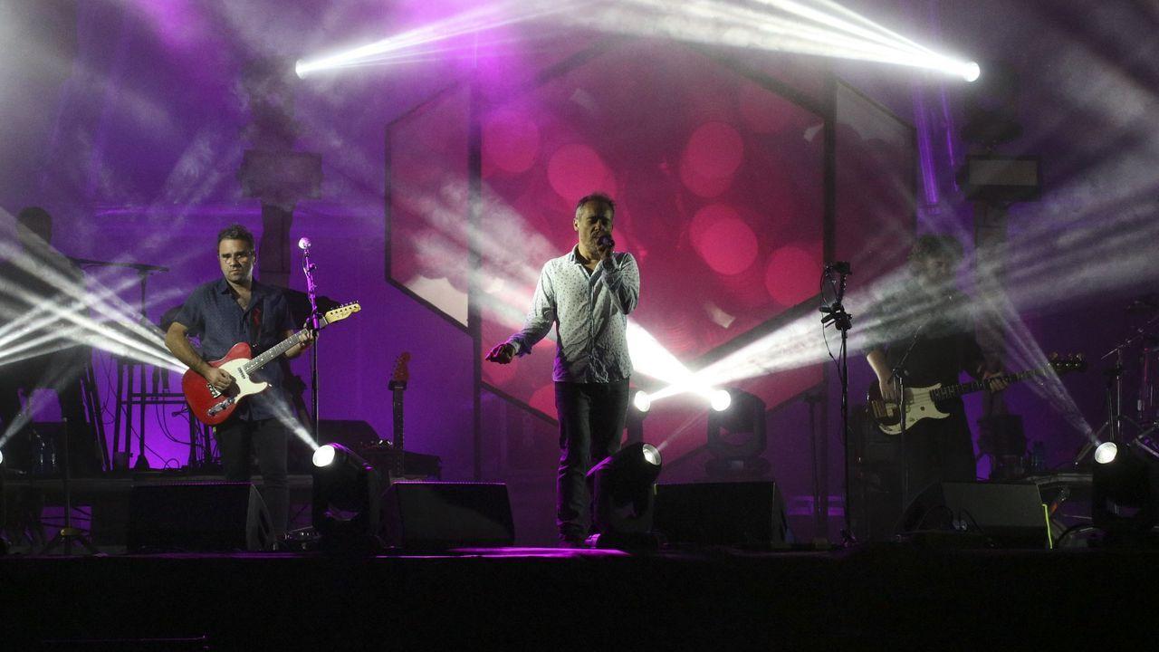 Imagen de un concierto de Love Of Lesbian en Galicia