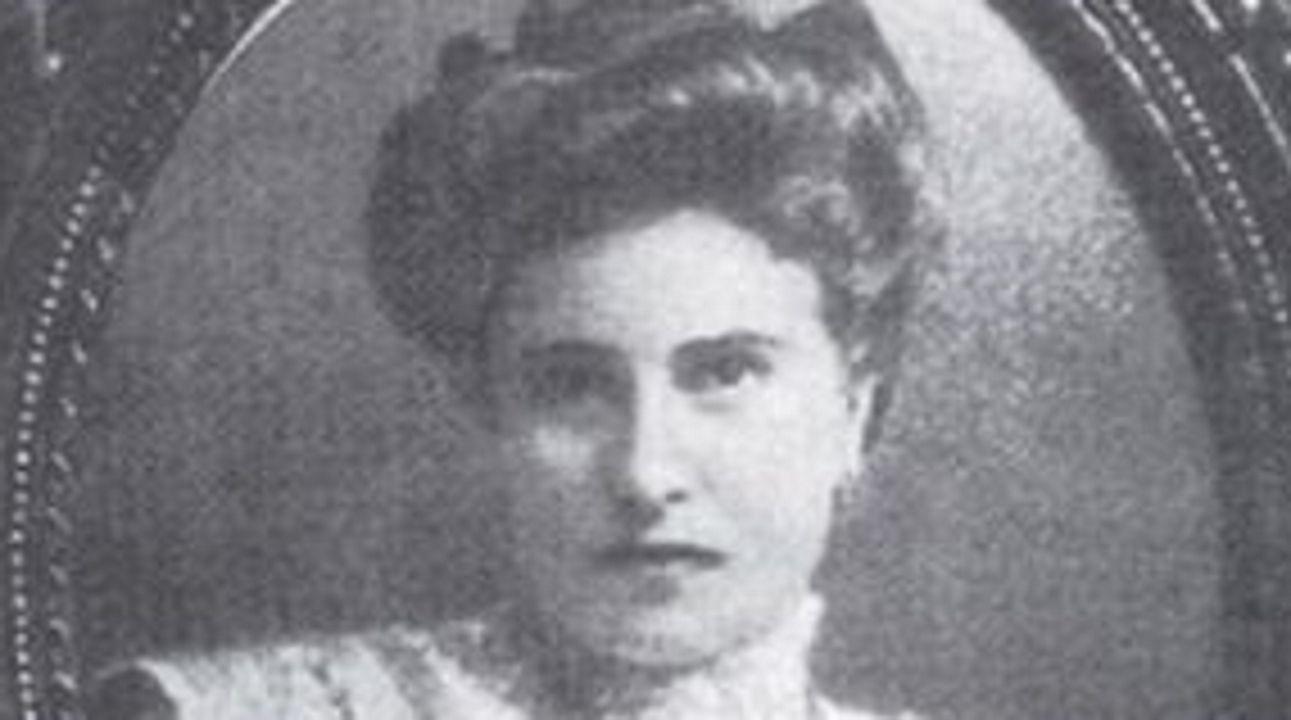 mujeres.RITA AMPARO LÓPEZ JEÁN. Primera afiliada al Partido Galeguista. Maestra, presidenta de la Agrupación Republicana Feminina y miembro del Partido Galeguista, del que fue su primera afiliada en A Coruña y secretaria general del Grupo Feminino Galeguista. Murió en el exilio francés.