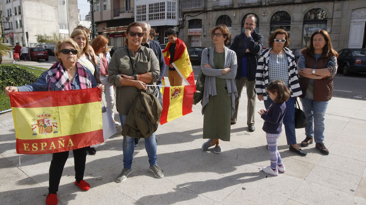 Concentración en el Obradoiro en contra del referendo catalán.Concentración por la unidad de España en Vilagarcía