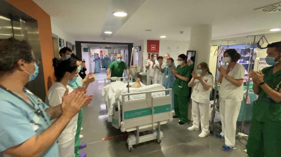 Juan es el primer paciente con coronavirus que consigue abandonar la UCI