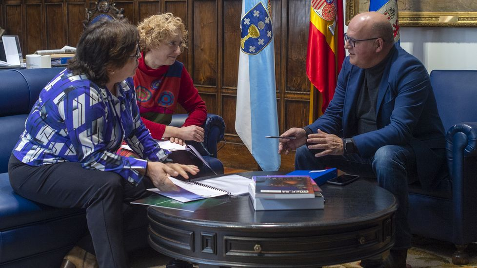 Una nueva edición de Xantar abre sus puertas.El local que ocupaba Dolores Promesas en Ourense está ahora en alquiler