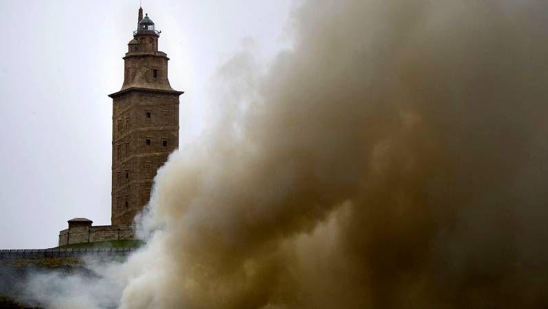 Fuego en el parque de la Torre