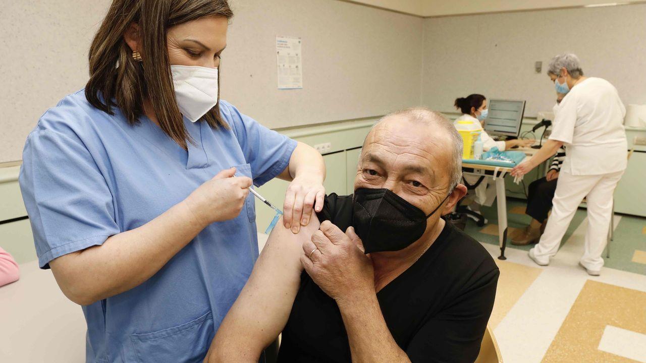 Vacunación masiva en el Hospital Público da Mariña