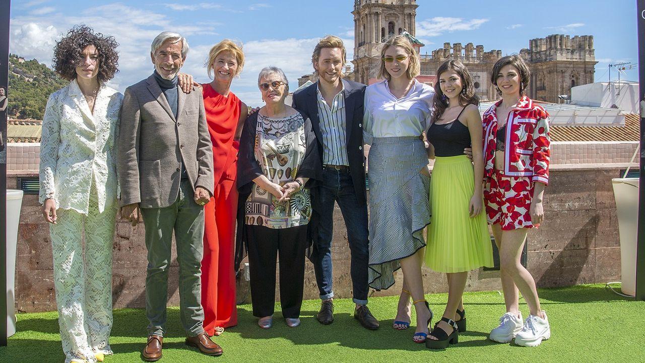 El reparto de «Cuéntame cómo pasió», en el estreno de la temporada en el Festival de Málaga