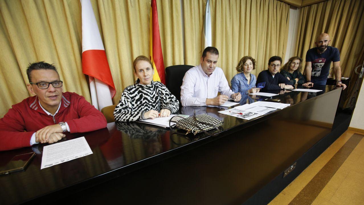 Hijos de funcionarias en el concello de Mos