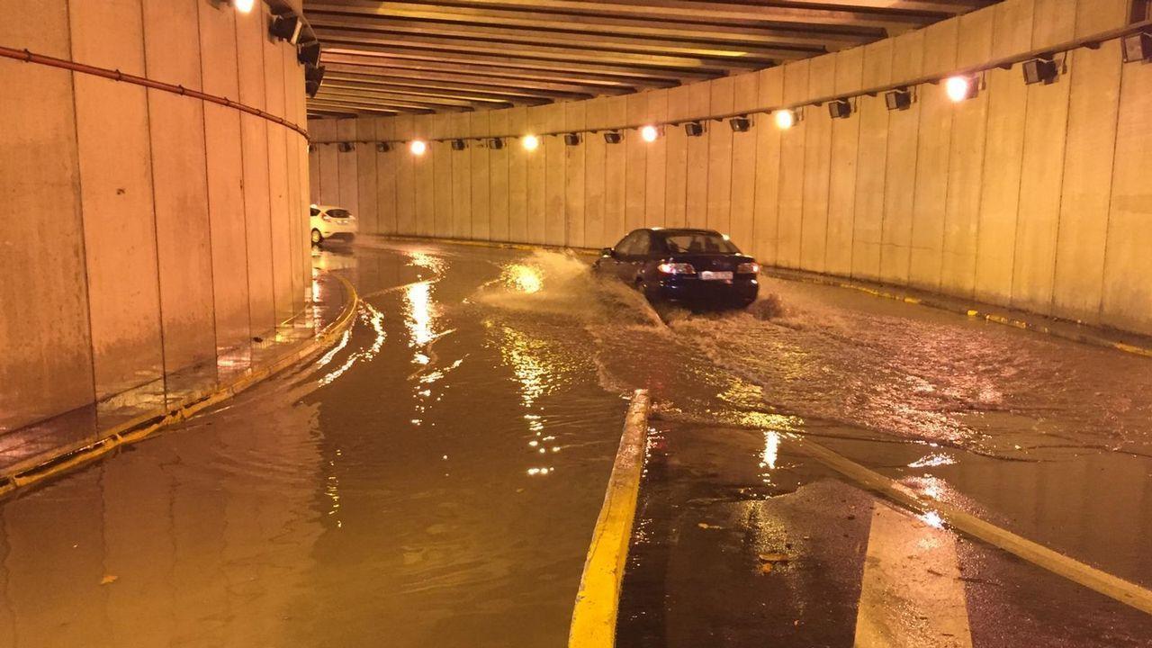Las imágenes de las inundaciones en varias zonas de Ferrol.El río Anllóns se desbordó a su paso por Carballo