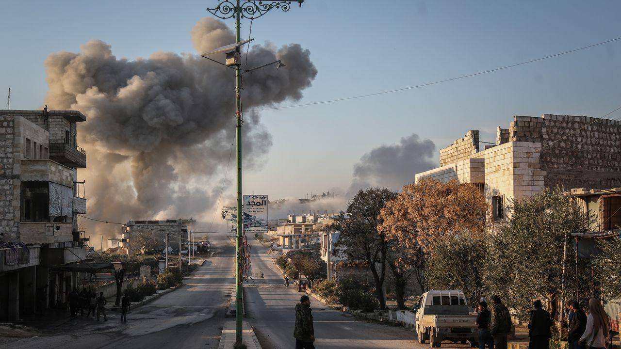 combo galegos 1.Un convoy turco de vehículos militares en Idlib tras el alto el fuego acordado el 5 de marzo
