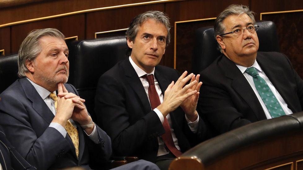 Eduardo Mendoza recibe el Premio Cervantes.Celebración del día del prematuro en A Coruña