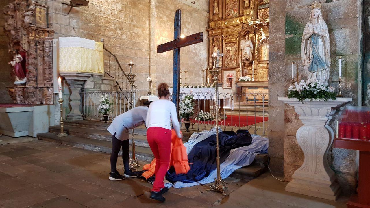 Llegada de la cruz de Lampedusa a Oia.Accidente en Salceda de Caselas