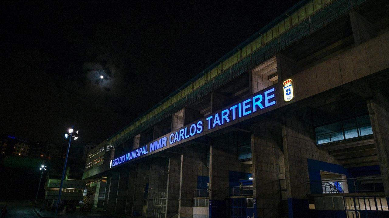 Nuevo letrero en la fachada del Carlos Tartiere