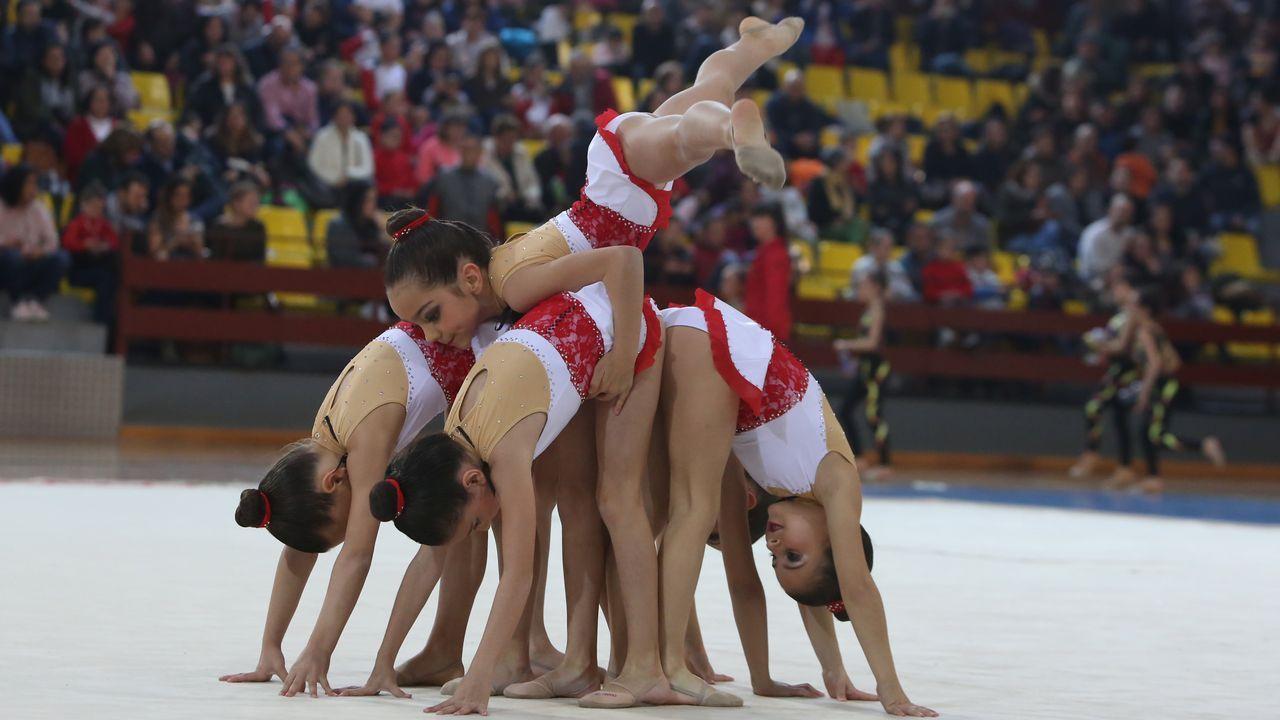 Primavera gimnástica en Ourense.El Concello de Ourense canceló las actuaciones del Día de la Danza en la calle, pero algunas escuelas bailaron igual