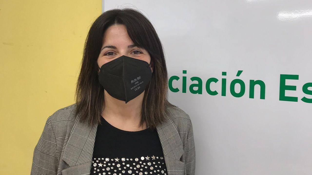 María Sanmartín, trabajadora social de la sede de Pontevedra de la AECC.