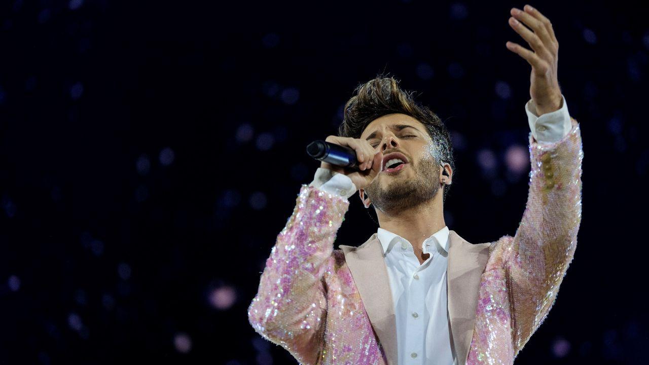 Hits de Eurovisión desde las ventanas sadenses.Víctor Manuel
