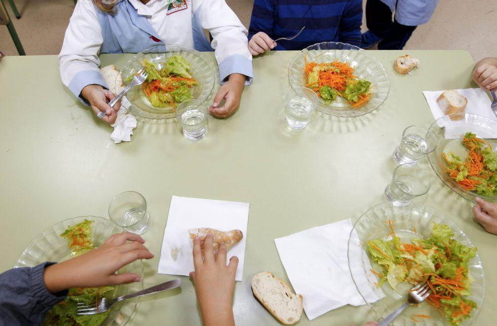 La consellería pretende verificar las quejas con los padres y las direcciones de centros.