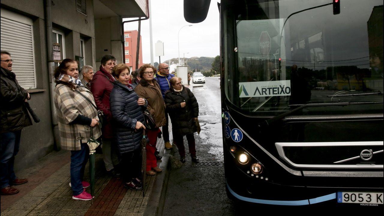 El autobús llega a Meicende.Nuria Borrás, la profesora desaparecida en Lérida