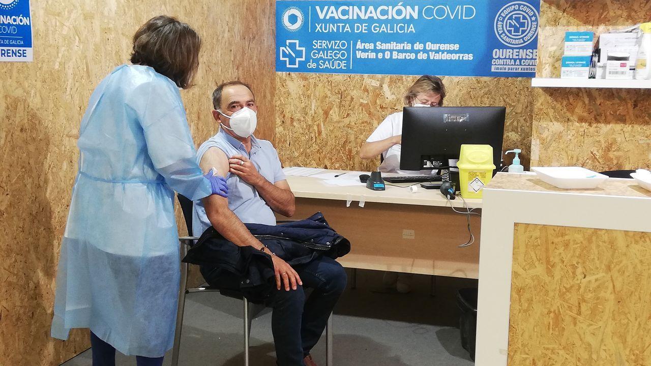 Rodrigo Aparicio, alcalde de A Arnoia, recibió su primera dosis de Pfizer