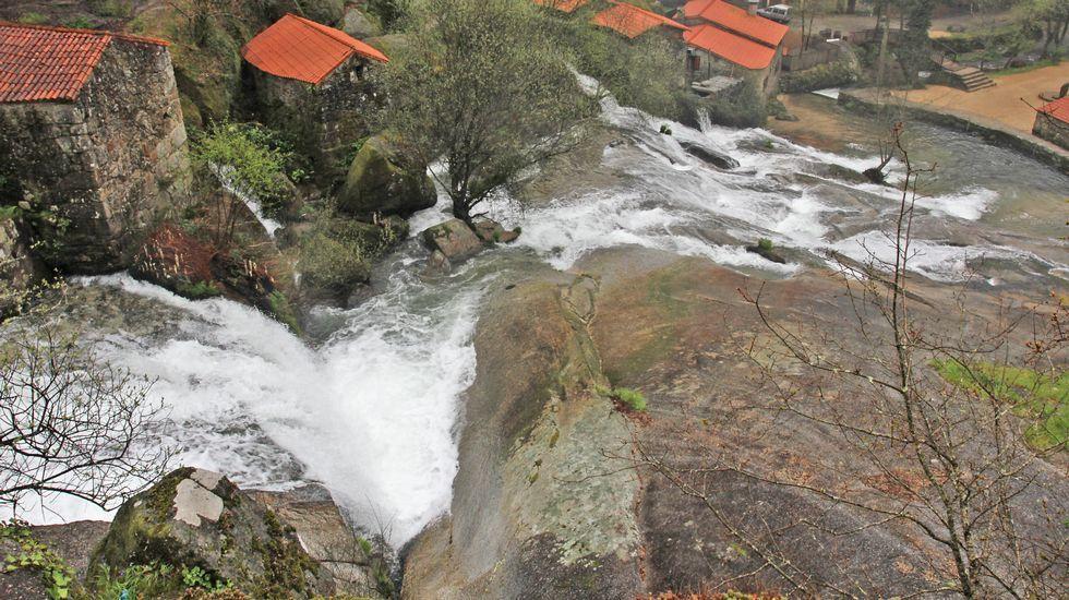 Después de algunas lluvias, la cascada de Barosa luce inolvidable, y su recorrido gana en espectacularidad