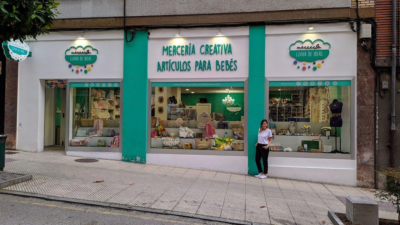 Rocío Argüelles, ante su negocio