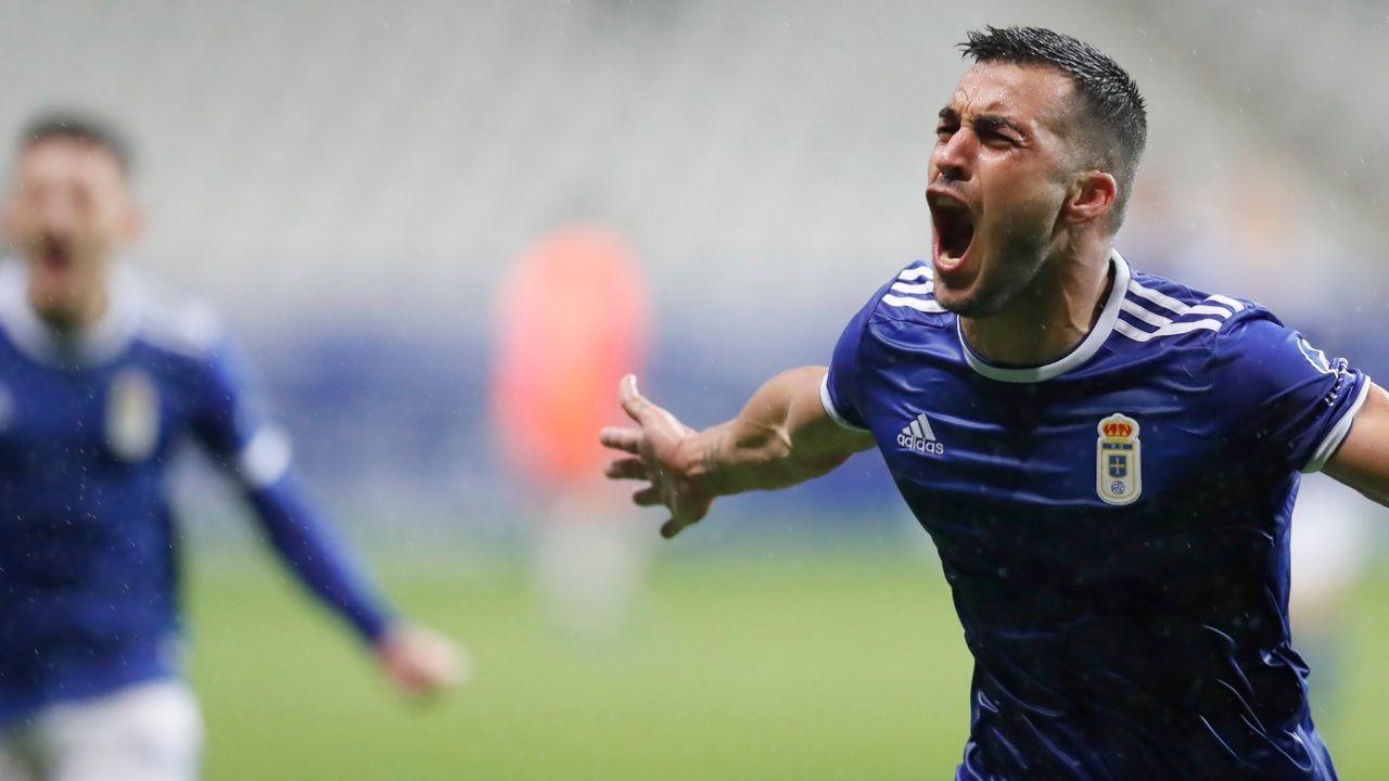 Gol Joselu Real Oviedo Rayo Majadahonda Carlos Tartiere.Joselu celebra su segundo gol ante el Rayo Majadahonda
