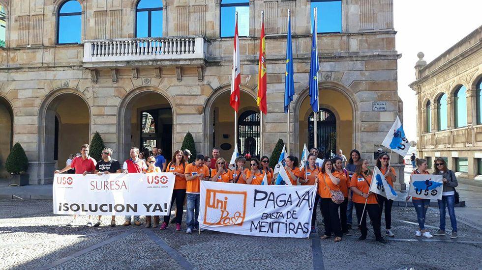 Escape en las baterias de coque de Avilés de Arcelor.Protesta del sindicato USO Asturias