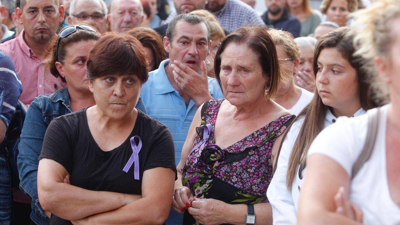 En Valga la concentración de repulsa por el triple crimen ocurrido en su localidad tuvo lugar ayer