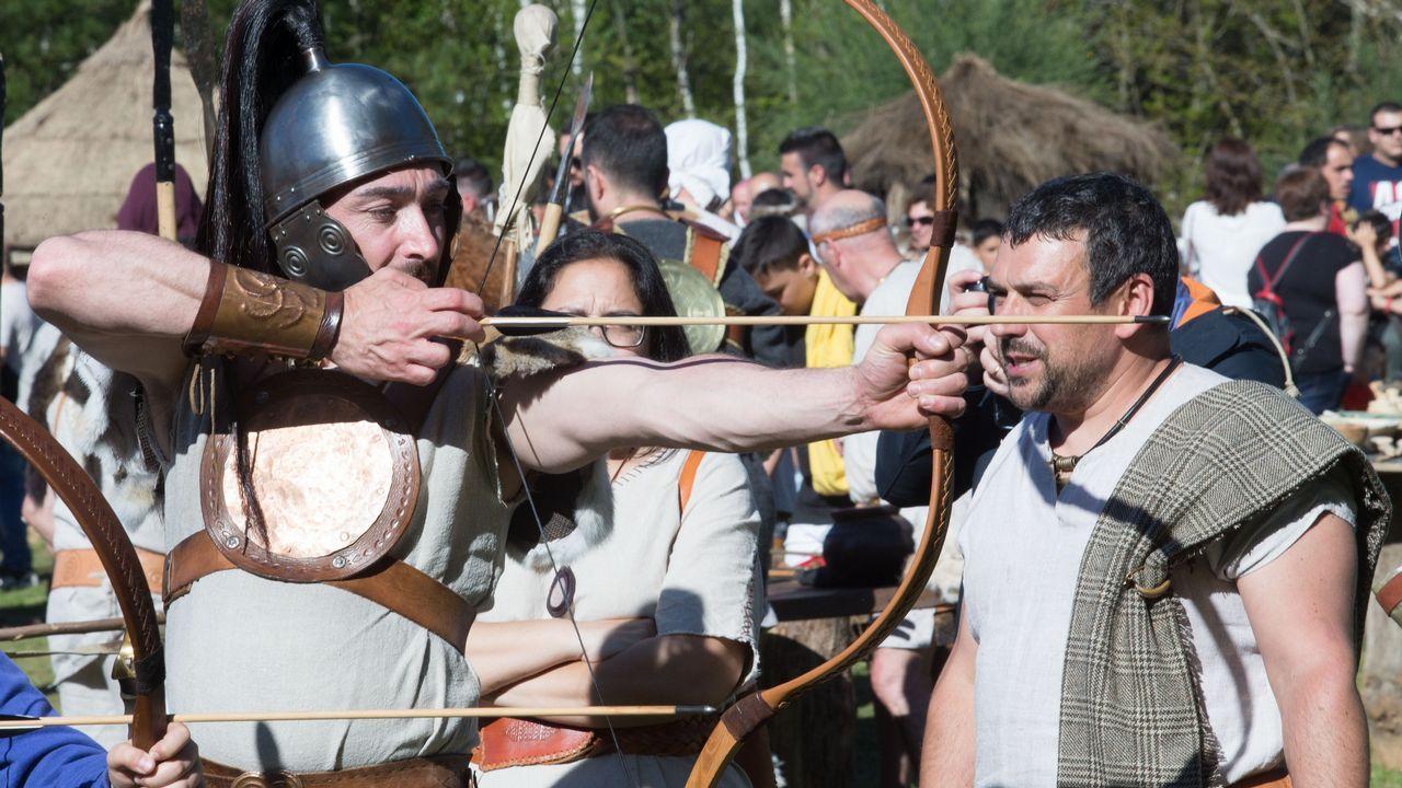 Campamentos, música, desfiles, xogos e liortas dan vida ao Friulio.Alumnos del Conservatorio de Danza de Lugo actuarán esta tarde en el Gustavo Freire