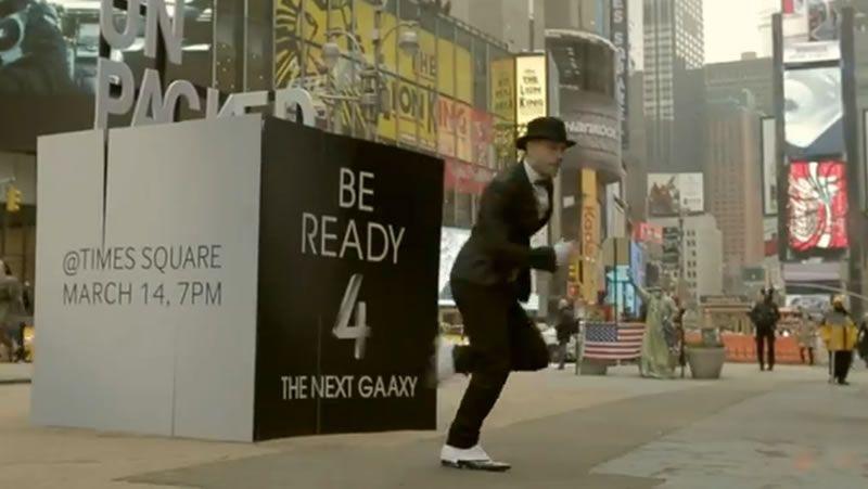 El musical de Samsung Galaxy S4.Un usuario utiliza la aplicación «MobbID» en una tableta.