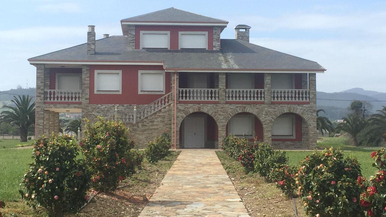La mansión, situada en Vilaselán (Ribadeo)