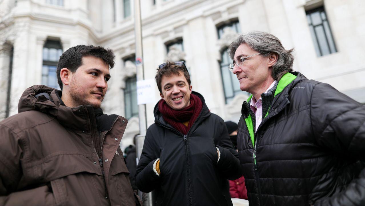 Marta Higueras junto a Íñigo Errejón y Pablo Gómez Perpinyà