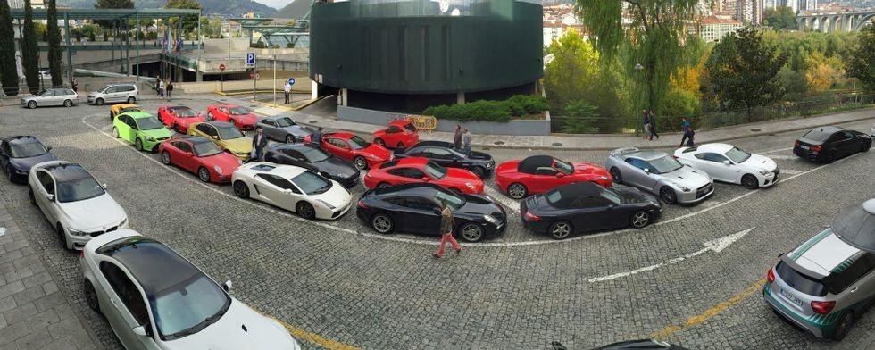 Así fue el paseo de David Villa en un Ferrari.Isaac Pola, consejero de industria, en la presentación de la planta de Vauste