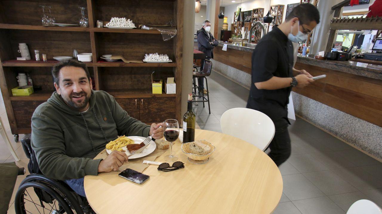 Las imágenes del Baxi - Ardoi.Restaurante de la estación de servicio de Río do Pozo