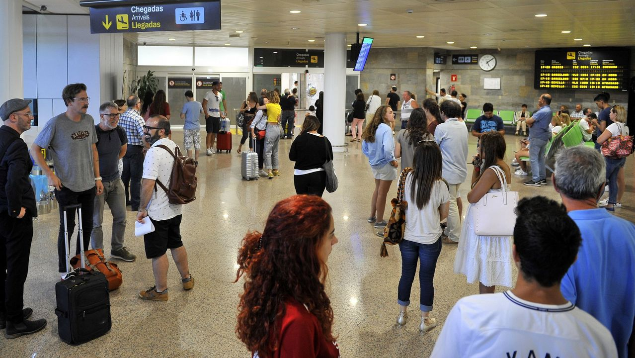 Aeropuerto de Asturias.La pista del aeropuerto de Asturias, desde la torre de control