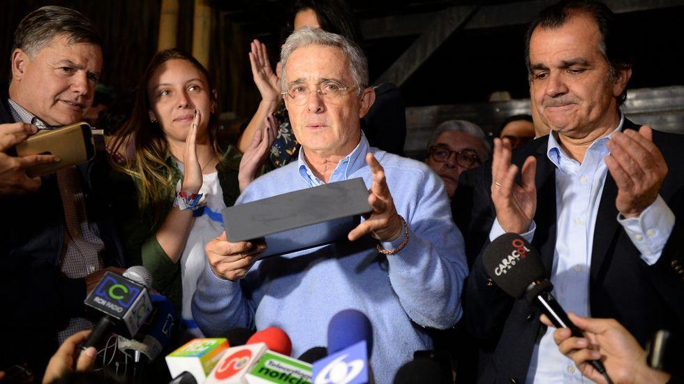 El expresidente colombiano, Álvaro Uribe, defensor del «no».
