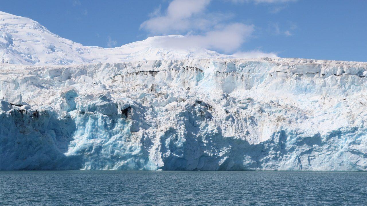 El glaciar del Apocalipsis, de cerca.La base española Gabriel de Castilla está alojada en esta isla volcánica de la Antártida