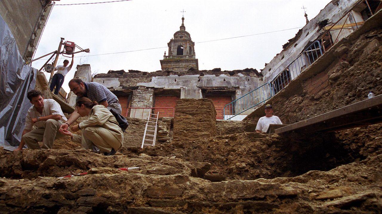 Veinte años de un yacimiento único en Lugo.La USC quiere en el futuro ampliar la excavación hacia el cabecero del mitreo de Lugo